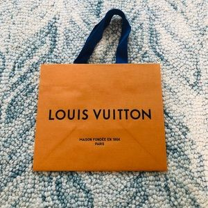 Louis Vuitton Small paper bag (new packaging)